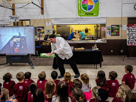 NFSMI - Chefs Move To Schools